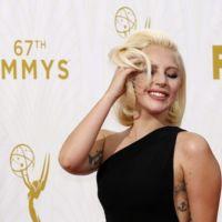 Lady Gaga llama la atención en los Premios Emmys 2015... Por su elegancia