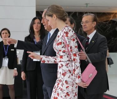 Doña Letizia repite vestido y triunfa