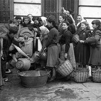 """'Campúa', la obra de José Demaría Vázquez (""""el fotógrafo de Franco"""") redescubierta en un nuevo volumen de Photobolsillo"""