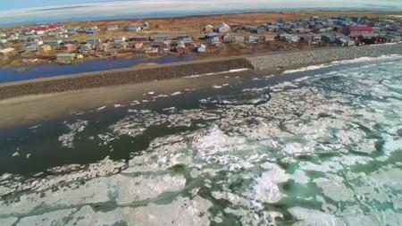 El cambio climático ha obligado a este pueblecito de Alaska a desplazarse, literalmente, 8 kilómetros de su ubicación