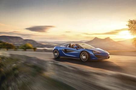 Los 570 CV y 600 Nm del McLaren 570S Spider te despeinarán en 3,2 segundos
