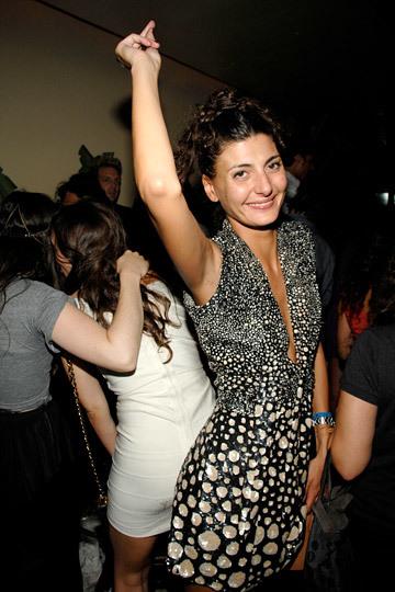 Las mujeres con estilo también salen de fiesta
