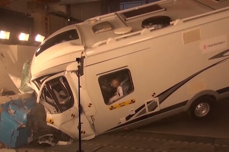 Estas pruebas de choque muestran en vídeo lo peligroso que es viajar en autocaravana con objetos sueltos
