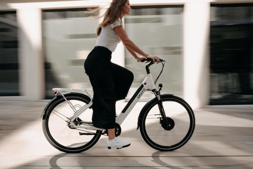 Bicicletas eléctricas como alternativa al transporte público en época de coronavirus: cuáles son las mejores para moverte por la ciudad