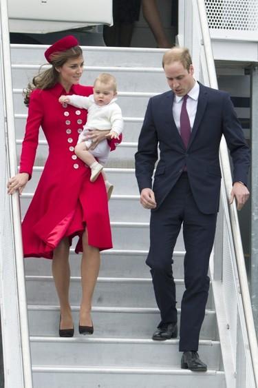 El príncipe George se nos va de viaje oficial, ¡qué <em>salao</em>!
