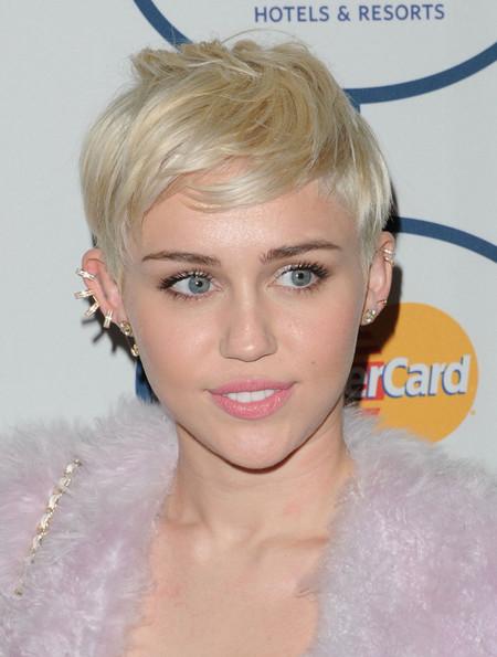 Miley Cyrus Maquillaje Grammys 2014