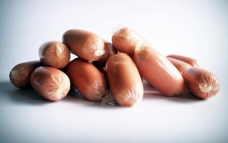 Por qué las salchichas pueden ser peligrosas para los niños