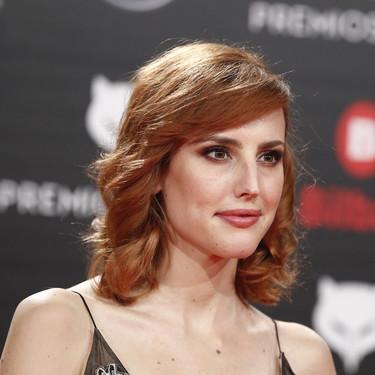 Premios Feroz 2019: Natalia de Molina no logra enamorarnos con este vestido a lo Lupita Nyong'o