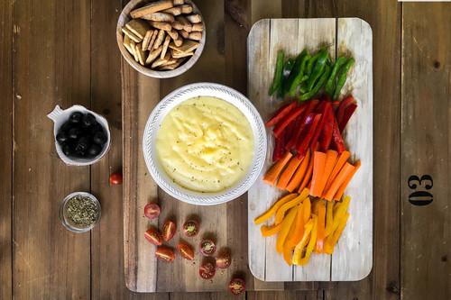 Fondue fácil de queso cheddar para una cena divertida y sin complicaciones: vídeo receta