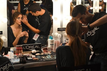 En el backstage de Cibeles Madrid Fashion Week: la inspiración maya de Devota & Lomba