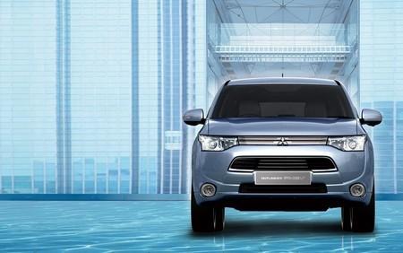 El Mitsubishi Outlander PHEV se retrasa en Estados Unidos por escasez de baterías
