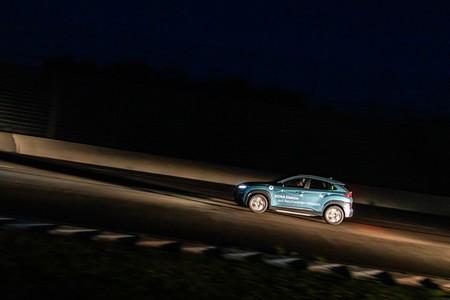 Hyundai Kona Record Autonomia Noche