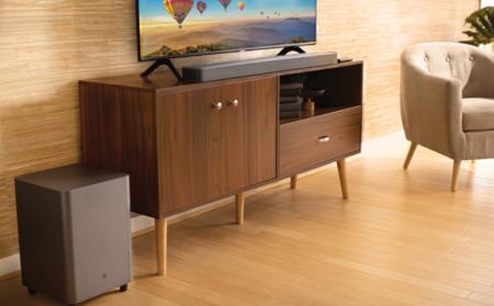 """Sonido """"de cine"""" en casa con el conjunto JBL Bar 5.1: barra, subwoofer y 550 W de potencia por 326,03 euros, su mínimo en Amazon"""