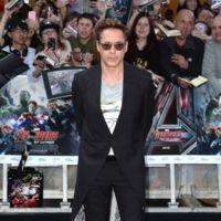 Mejor con el traje de Iron Man...