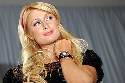 Paris Hilton presenta su nueva línea de relojes