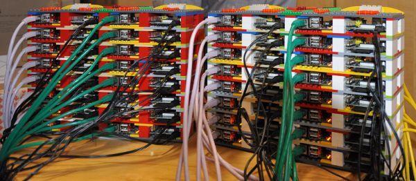 Respberry Pi - supercomputadora formada por 64 nodos