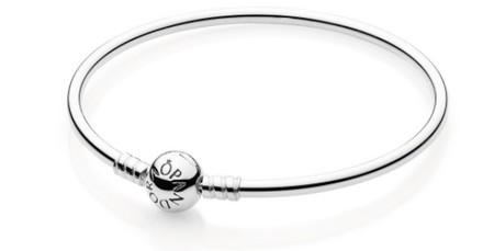 Adelántate a San Valentín: la pulsera rígida Pandora modelo 590713 de 19 cm está rebajada a 50,20 euros en Amazon