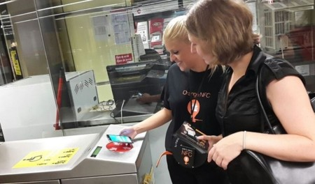 Valencia se convierte en el campo de pruebas para el acceso al transporte público con el smartphone
