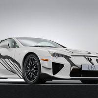 Lexus se marca su propio Art Car con este LFA Nürburgring Edition con motivo de las 24 Horas de Spa