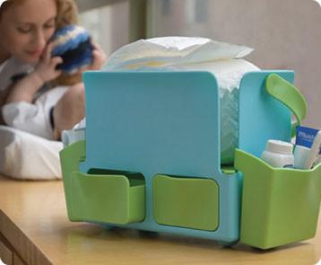 Todo para el aseo del bebé en una caja transportable