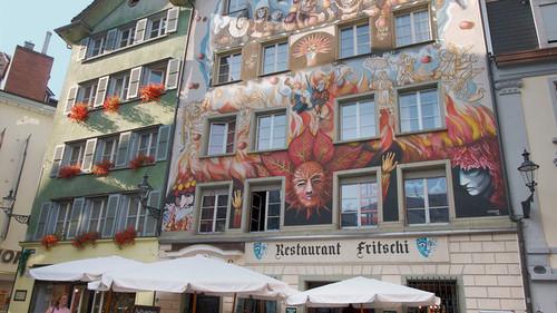 Lucerna, una ciudad donde los graffitis merecerían ser expuestos en un museo