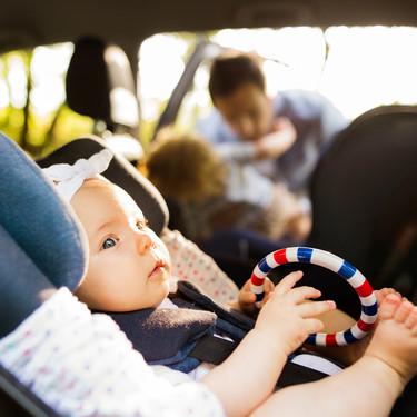 Viajar con tablets, bolsos o móviles sueltos en el interior del vehículo, podría resultar fatal en caso de accidente
