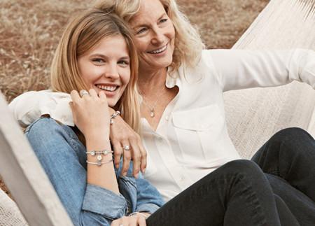 Los 17 regalos de moda para las madres más fashionistas