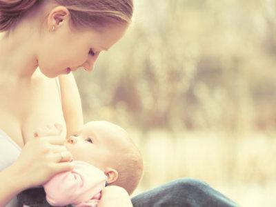 Un beneficio más a la larga lista: la lactancia materna también protege a los bebés del asma