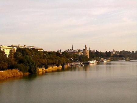 Sevilla desde el Guadalquivir