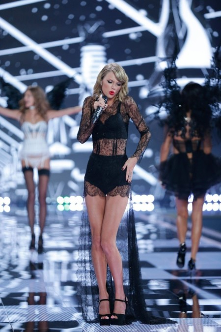 Fashion Show 2014 Musical Performer Taylor Swift Victorias Secret 2 Hi Res