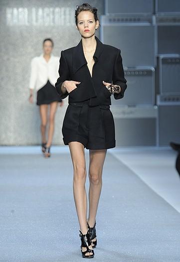 Foto de Karl Lagerfeld, Primavera-Verano 2010 en la Semana de la Moda de París (2/15)