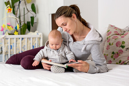Día del Libro: 15 libros para regalar a mamá y ayudarla en su recién estrenada maternidad