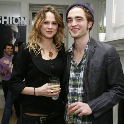 robert-pattinson-y-nina-schuber
