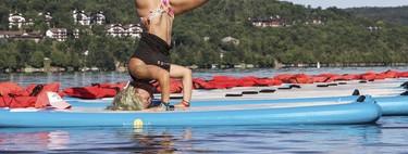 SUP Yoga o Yoga sobre una tabla de surf: una manera refrescante de mantenerte en forma en verano