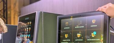 Pedir cafés con la mirada: la primera cafetera con 'eyetracking' es española y anticipa un control más allá de lo táctil o la voz