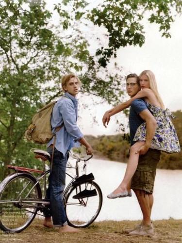 Las geniales fotografías de la revista de H&M Primavera-Verano 2010