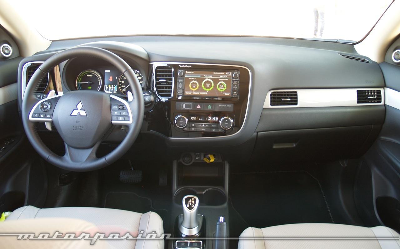 Foto de Mitsubishi Outlander PHEV (toma de contacto) (12/27)