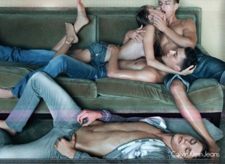 Censuran un anuncio de Calvin Klein Jeans por provocación