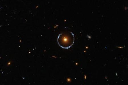 """La técnica """"imposible"""" de Einstein para pesar estrellas funciona: el viejo Albert tiene razón hasta cuando se equivoca"""