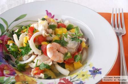 Ceviche de dorada y langostinos con mango: receta refrescante, ligera y con un toque tropical