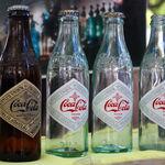 Los cuarenta barriles que enfrentaron a Coca-Cola y el gobierno de Estados Unidos por la droga más consumida del mundo