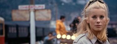 Catherine Deneuve subasta 300 de las piezas que su amigo Yves Saint Laurent diseñó para ella