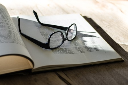 26 libros que el equipo de Xataka recomienda por el Día del Libro de 2018