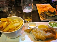 El tradicional fish and chips en Dublín