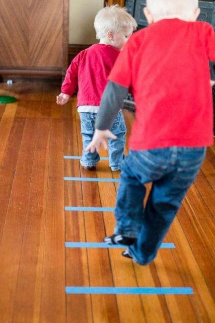 Juegos Actividades Ninos Casa Cinta Adhesiva Saltar