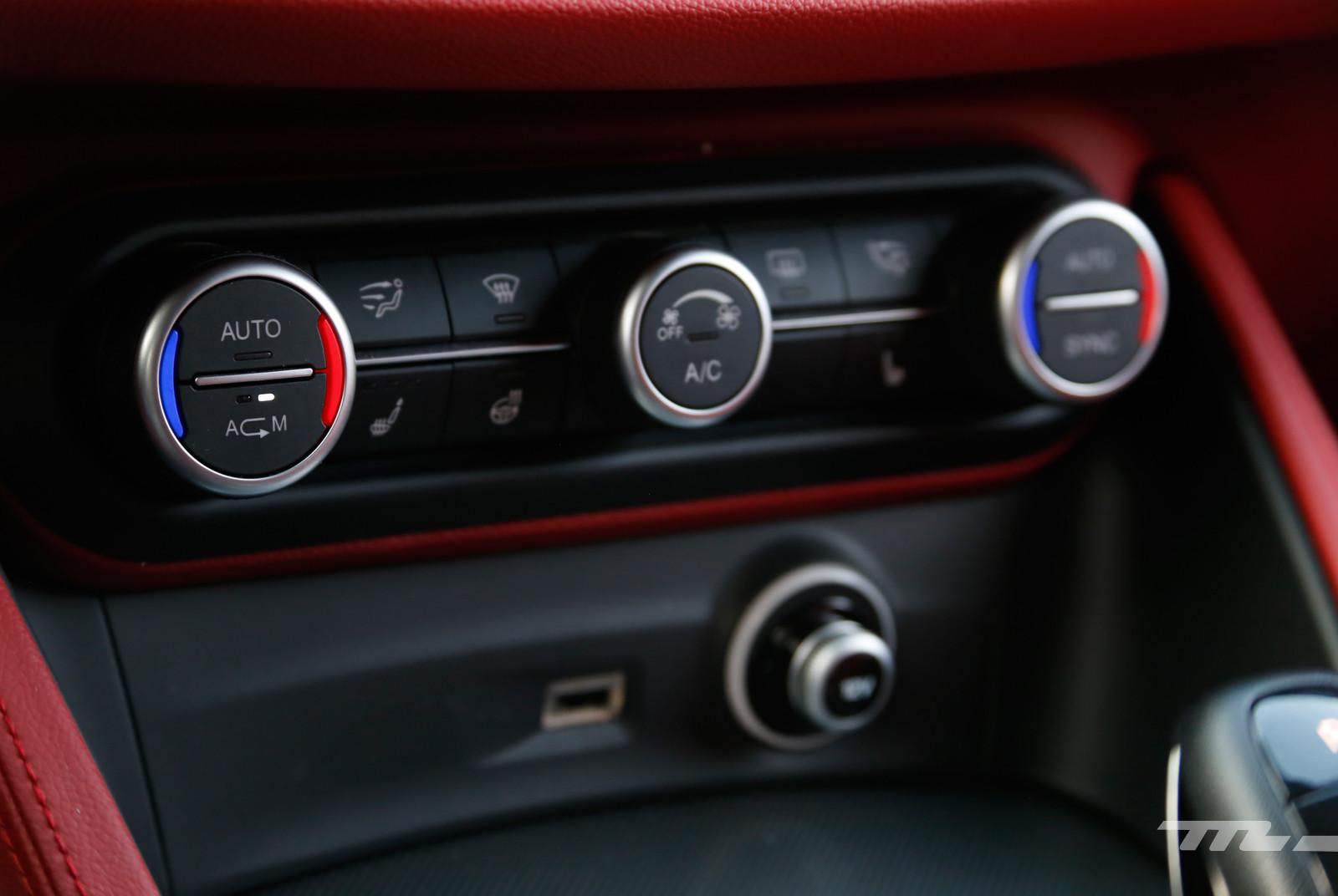 Foto de Alfa Romeo Stelvio Ti (17/22)