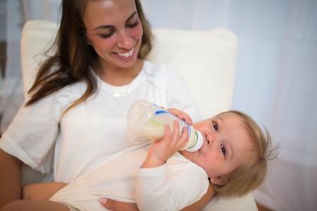 Beneficios de la leche de cabra y su uso como fórmula infantil para bebés