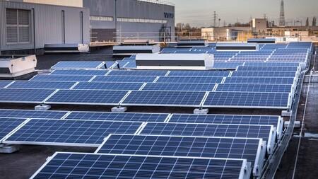 Paneles solares en fábrica Volvo