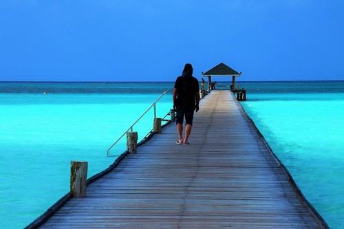 ¿Viajas para ser feliz? El problema entre las expectativas y la realidad