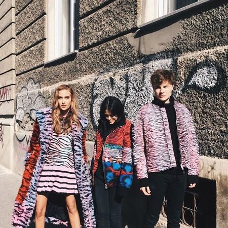 La colección Kenzo x H&M sale a la calle, y vista de esta manera no está tan mal...